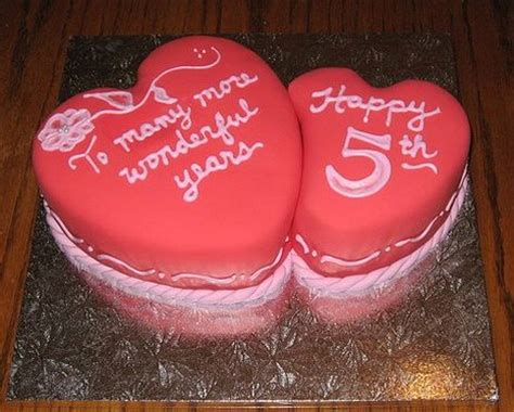 5 year anniversary cake in red.jpg (2 comments)