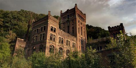 abandoned castles chateaux  city halls showcase