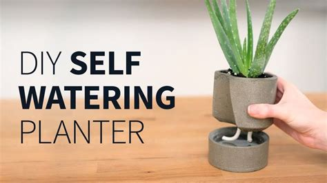 make self watering pot