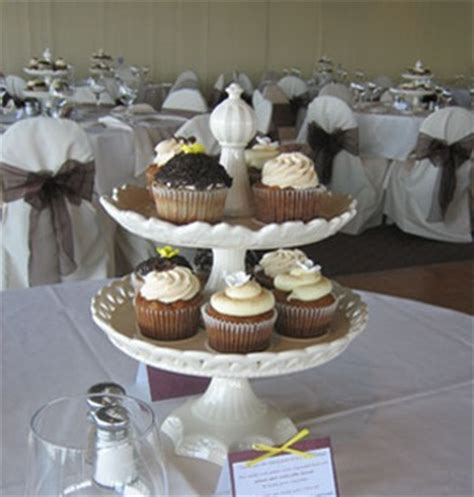cupcakes as wedding centerpieces budget brides guide a
