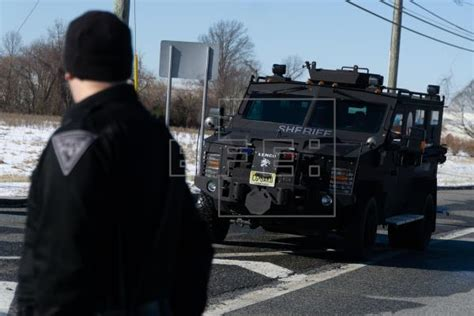 Hostage Standoff In Us Ends With Captives Freed Unharmed