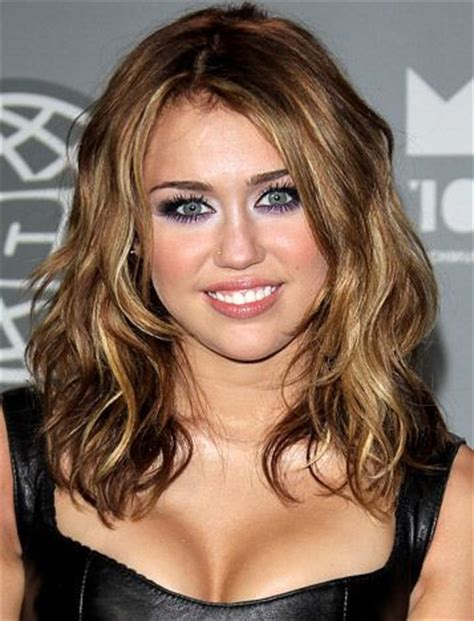 hairstlyes medium lenght beach wave medium length beach waves of miley cyrus hair