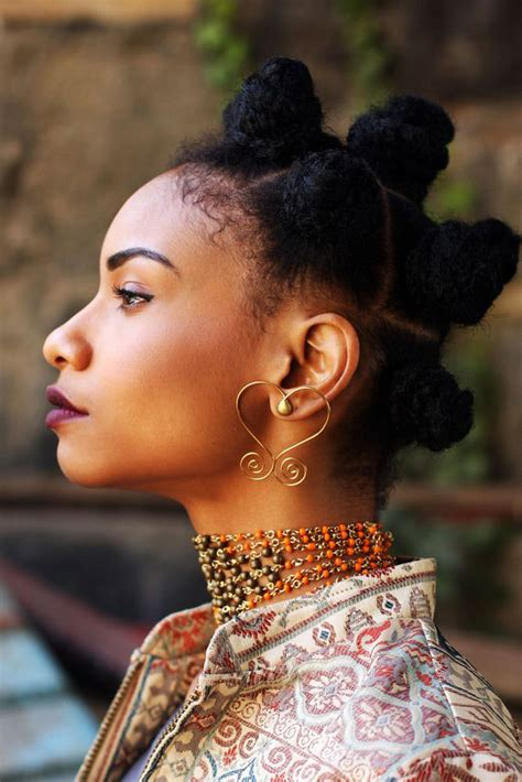 natural hairstyles  inspire    thefashionspot