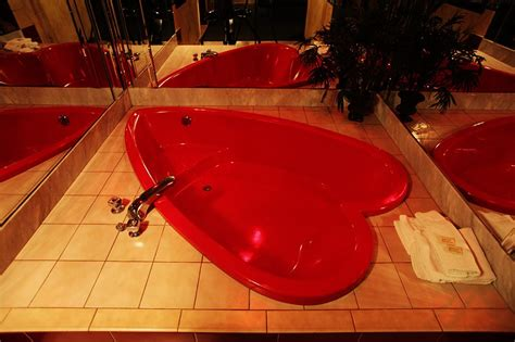 heart bathtub coming in miami executive palace hotel slideshow photos