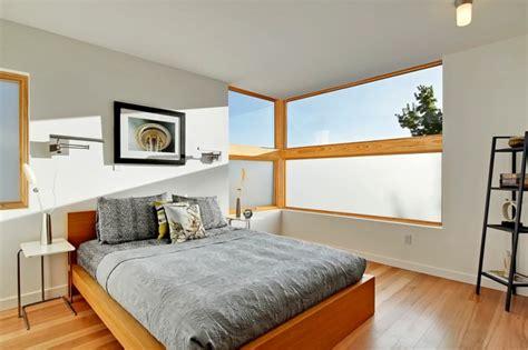 schlafzimmer fenster fenster sichtschutz rollos plissees jalousien oder