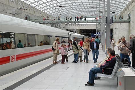 Auto Ummelden Kosten Bonn by Anreise Zum Flughafen Koeln De