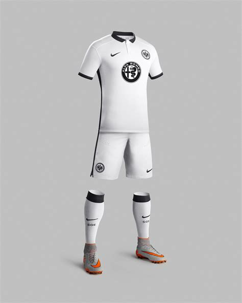 Kaos Kaki Calci Empire Soccer clean and bold eintracht frankfurt 2015 16 away kit nike