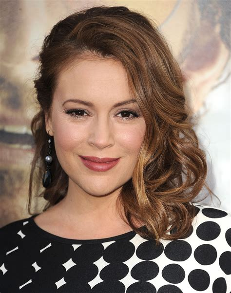 clavicut hairstyles alyssa milano the clavicut the best celebrity