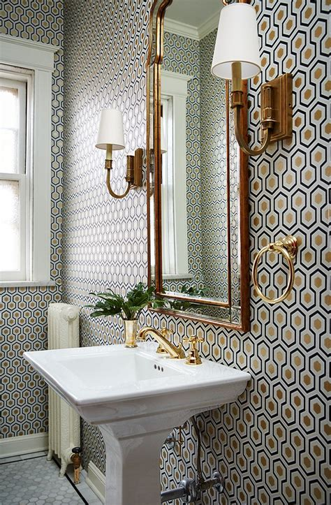 Badezimmer Tapezieren by Small Bathroom With A Lot Of Pattern On Wall Wallpaper