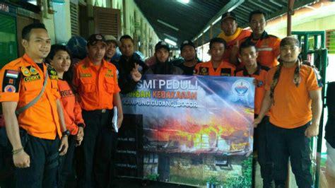 Kasur Lantai Terbaru hasmi serahkan puluhan kasur lantai kepada korban kebakaran