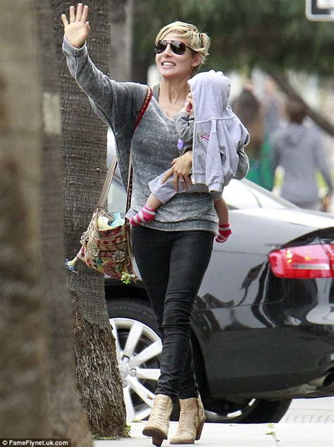 elsa pataky the 36 year old was born in madrid and learned elsa pataky shows off her slim pins in indigo skinny jeans