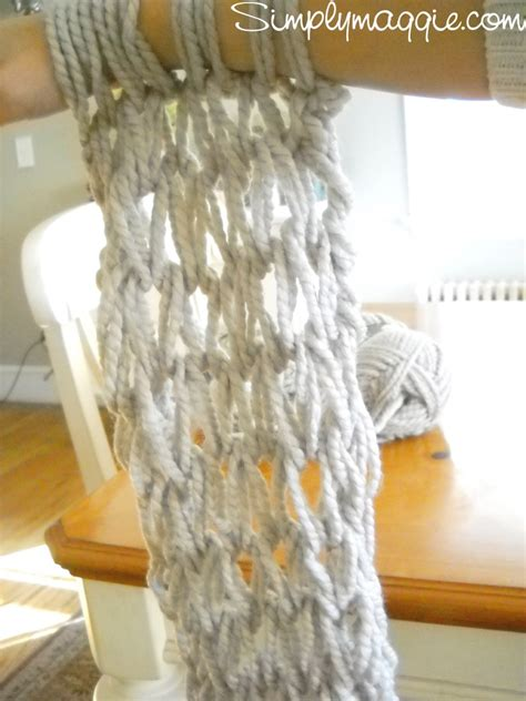 video tutorial knitting arm knitting tutorial how to simplymaggie com
