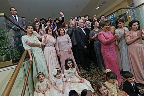 being a guest at a jewish wedding a guide my jewish ct modern chassidic jewish wedding from zenobia studios