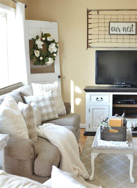 modern farmhouse living room ideas refreshed modern farmhouse living room vintage nest