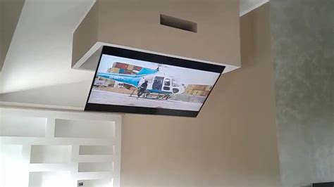 staffe a soffitto per tv tv moving ct staffe tv motorizzate da soffitto
