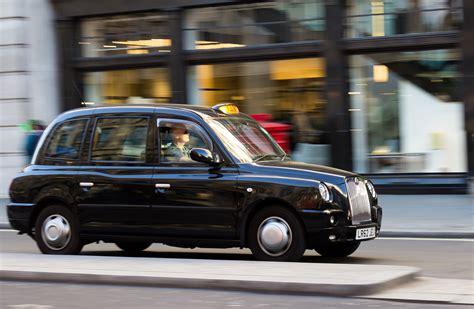 black cab london black cab caught fire on a busy london bridge news today