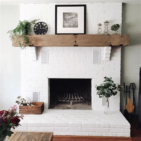 White Painted Fireplaces by Best 25 Painted Brick Fireplaces Ideas On