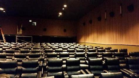 Theaters With Recliners In Nj by Cinemark Hazlet 12 In Hazlet Nj Cinema Treasures