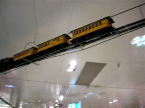 videos cortos de manoseos en el tren tren de juguete en el techo youtube