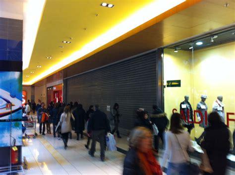 negozio apple porta di roma apple store porta di roma le prime immagini della