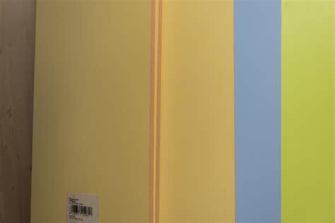 Wallpaper Dinding Garis Hijau desain interior kamar warna biru desain rumah minimalis