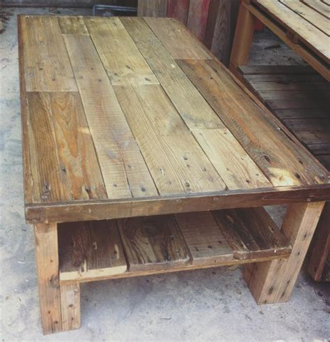 pallet coffe table large wooden pallet coffee table 101 pallets