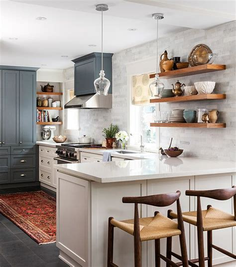 design a small kitchen 25 best ideas about small galley kitchens on