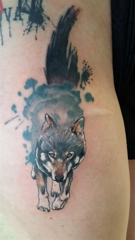 watercolor tattoo tucson wolf on a fellow redditor ben reiter broken clover