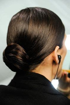Hairstyle For Cabin Crew by 1000 Images About Grooming On Emirates Cabin