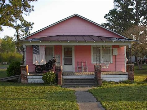 little pink houses that s where my people come from the beautiful due