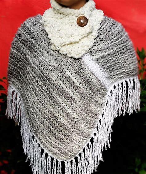 ponchos tejidos a dos agujas mini poncho blanco tejido a mano con 2 palillos poncho