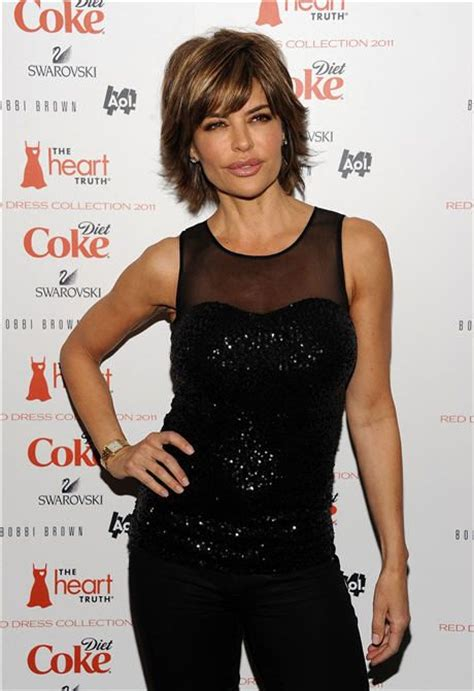 how does lisa rinna fix her hair lisa rinna makes short hair smoking hot it s all about