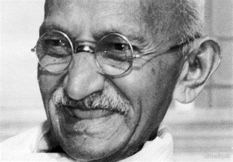 biography of mahatma gandhi in points 20 surprising facts about gandhi father of india