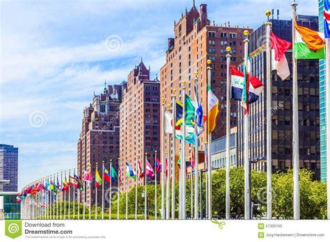 sede nazioni unite sede delle nazioni unite con le bandiere dei membri dell