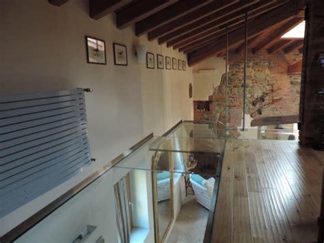 pavimenti in vetro calpestabile soppalco in vetro calpestabile e parapetti in vetro