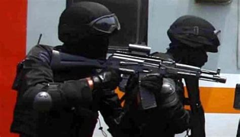 Seragam Densus 88 Garuda Militer Artikel Kekerasan Densus 88