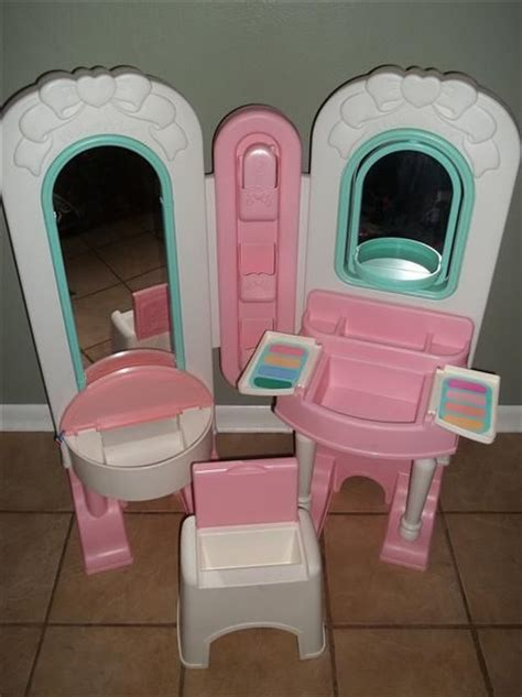 100 00 fisher price all in one dress up vanity play set
