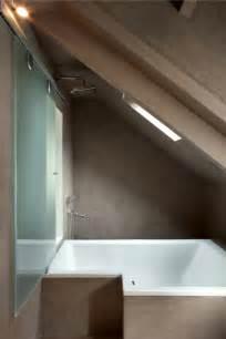 badewanne kleines bad badewanne unter dachschr 228 ge 22 s 252 223 e modelle