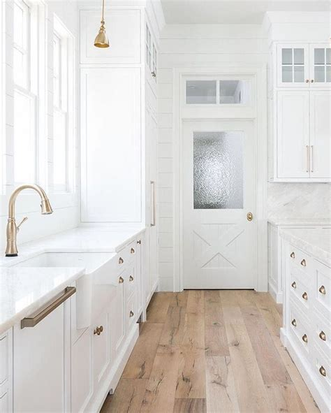 White Wood Stain Interior by Best 25 Blue Wood Stain Ideas On Wood