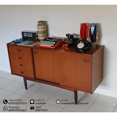 Bufet Tv Retro Meja Tv Retro Minimalis Bufet Tv Sliding meja bufet retro createak furniture createak furniture