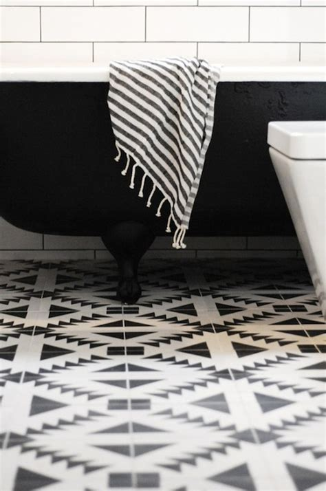 geometric black and white floor tiles bblack and white floor tiles contemporary bathroom