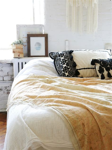 free people bedding fp one katara annabelle quilt at free people clothing boutique