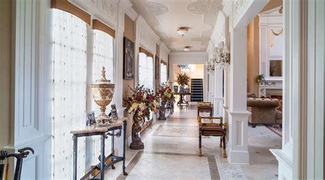part    decorate  long narrow hallway video