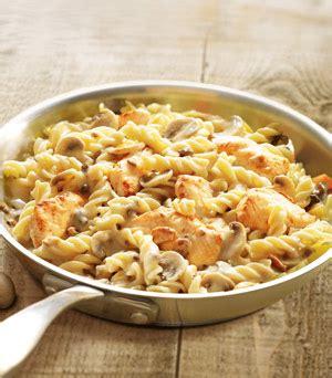 plats cuisin駸 surgel駸 fusilli au poulet et chignons surgel 233 gamme plats