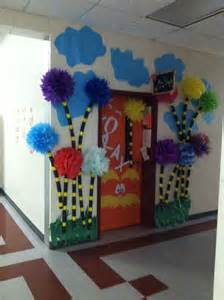 Dr Seuss Classroom Decorations by Best 25 Dr Suess Ideas On
