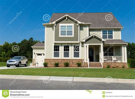 suburban house new suburban house stock photo image 32690810