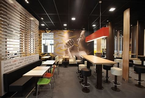 Mcdonald Interior Designer by Mcdonald S Porte Di Catania