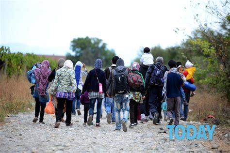 casa governo it casa e lavoro per 75mila profughi il piano governo