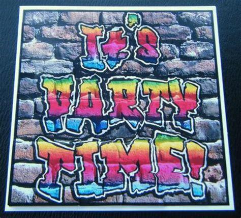 party time!! graffiti scallop corner side stacker topper