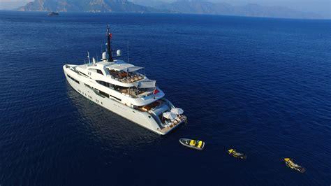 Lu Motor motor yacht giaola lu yacht charter superyacht news